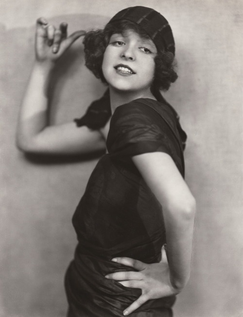 How the Roaring 20's Changed Womens' Fashion