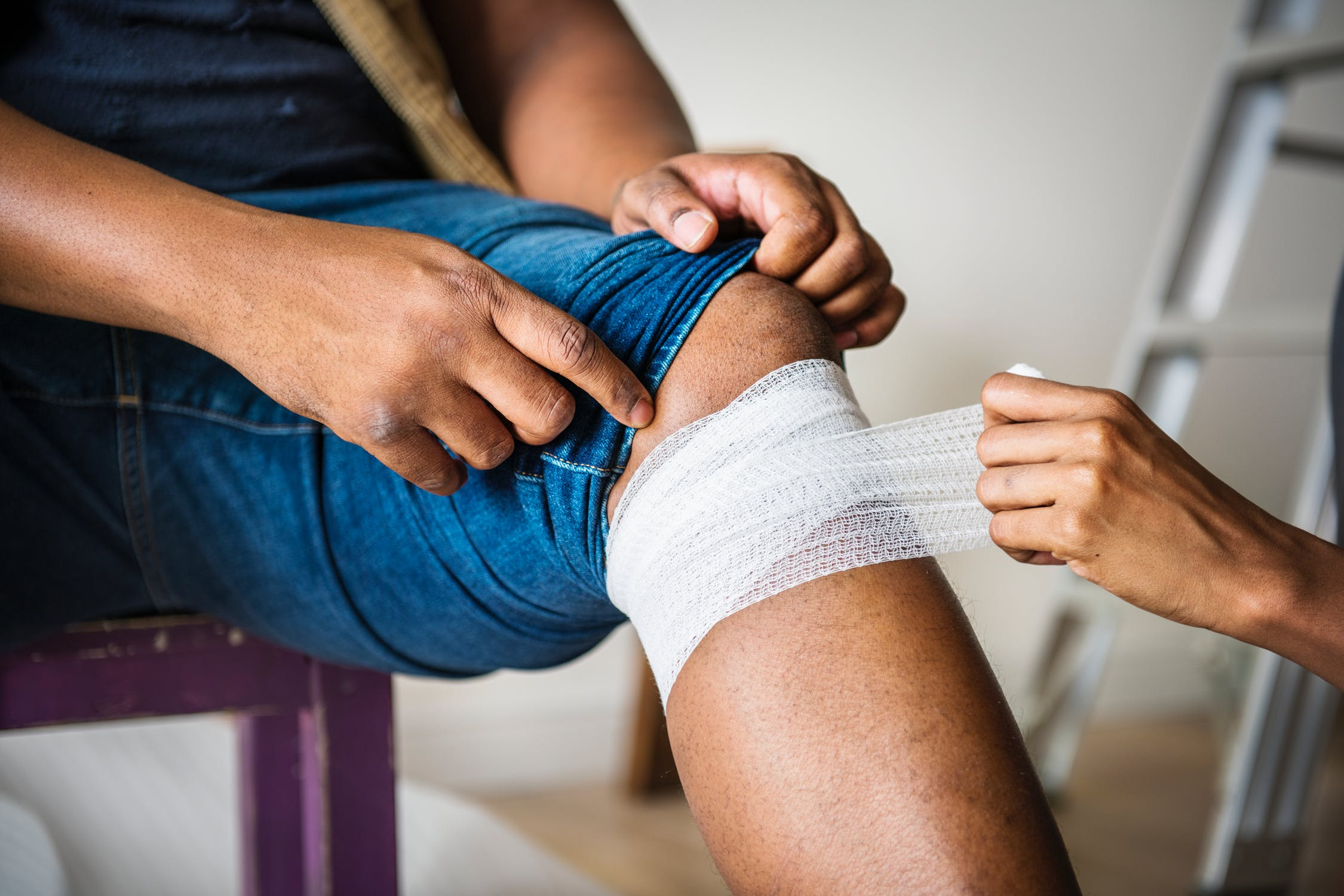 When and How Should You Seek Compensation After a Workplace Injury?