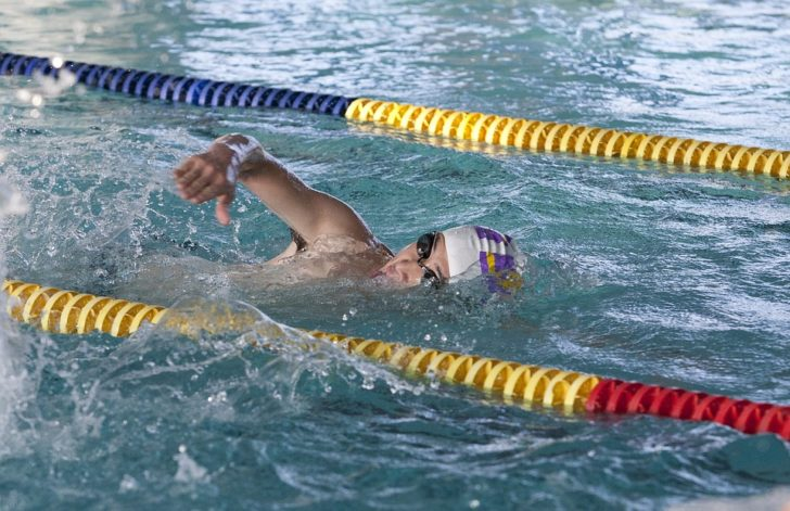 Easy Pool Exercises to Get Fit and Stay Healthy
