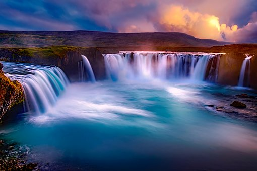 Reasons Why Everyone Should Visit Iceland Once In Their Lifetime