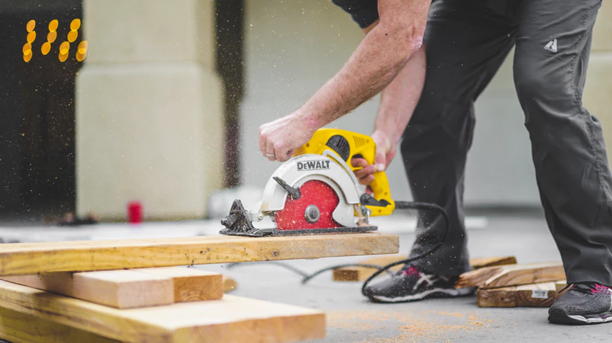 6 Common Mistakes That Most Family Handymen Make circular saw