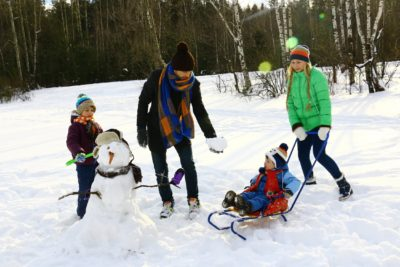 8 Winter Activities to Do With Toddlers This Year