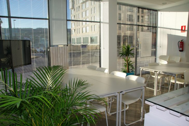 Advantages of the new-age motorized shades