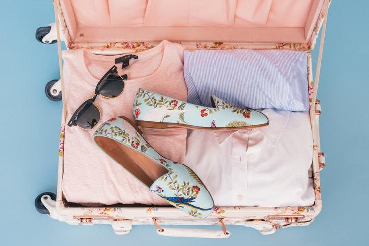 8 Awesome Holiday Packing Tips For A Hand Luggage Only Flight