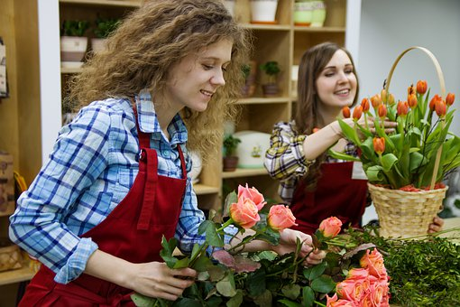 The Fastest Way to Become a Floral Designer happy ladies