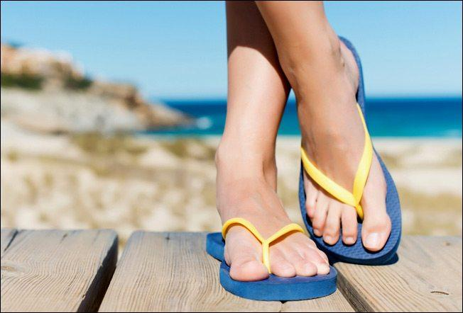 8 Awesome Holiday Packing Tips For A Hand Luggage Only Flight sandals