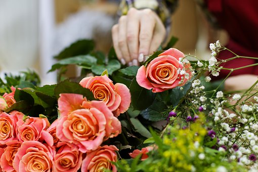 The Fastest Way to Become a Floral Designer flowers