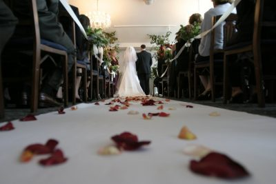 Top Benefits of Using an Event Rental Service for Your Wedding