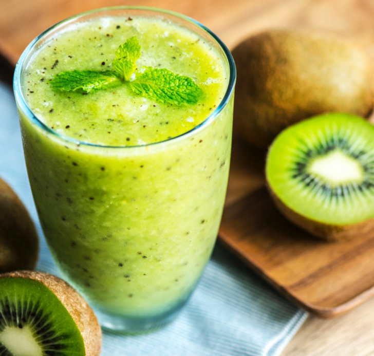 How To Detox Your Body - 5 Easy Ways green smoothie