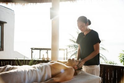 5 Reasons to Become a Massage Therapist In 2019