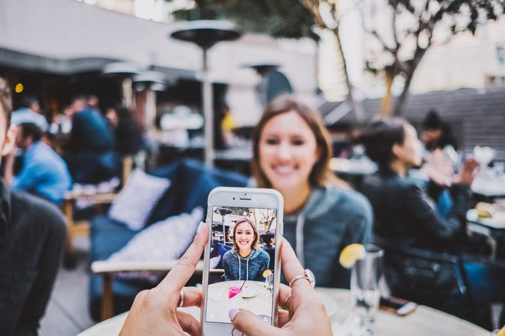 5 Cool Hacks to Become Popular on Instagram