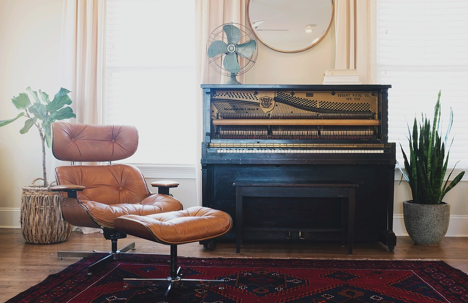 A vintage twist: 8 tips on how to add vintage furniture to the modern home