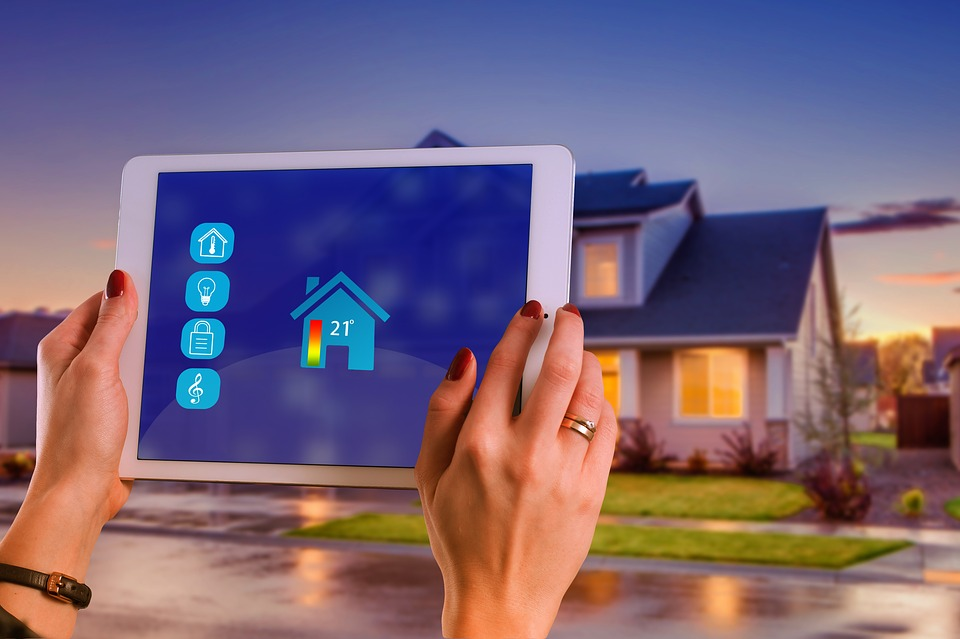 Green technology and solutions for a smart home