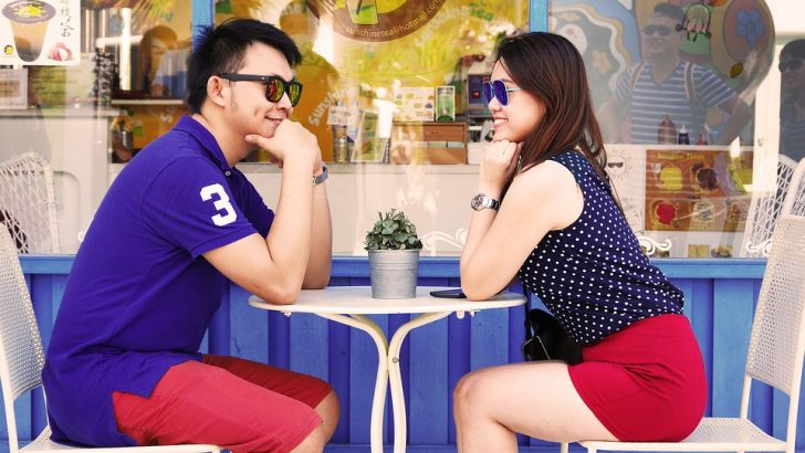 Romance Is in the Air: 7 Deadly Fashion Mistakes You Should Avoid When Going out on a Date