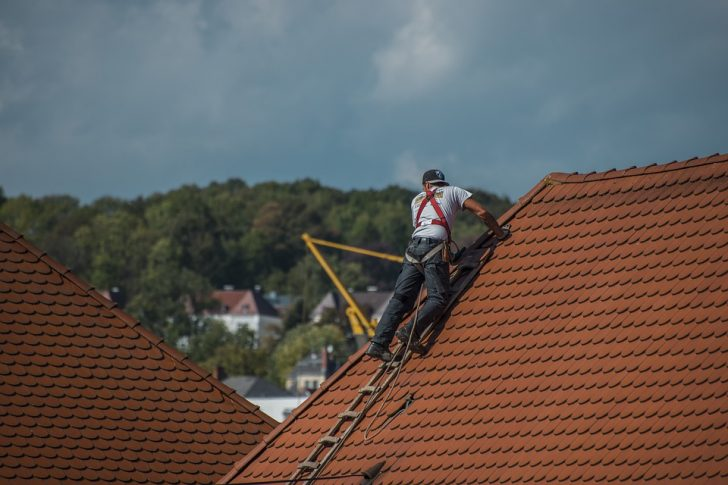 When Should You Replace or Repair Your Roof?
