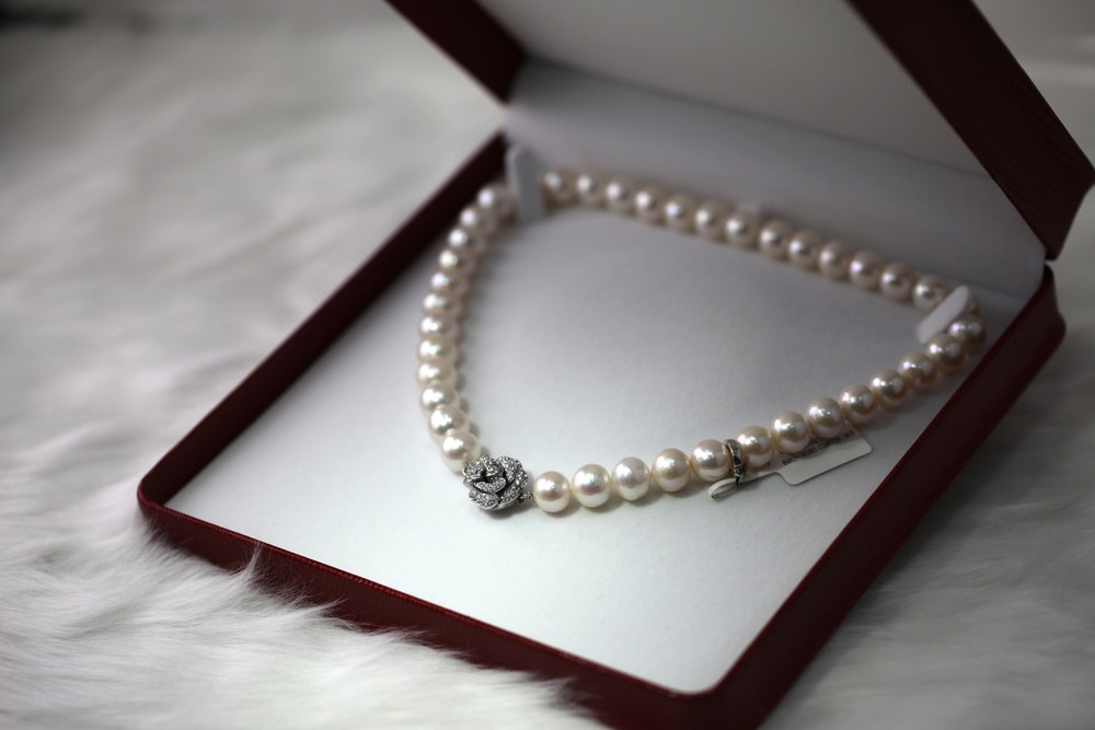 A Complete Guide to Jewellery Care pearls