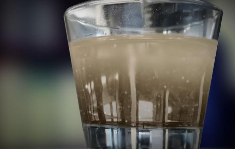 5 important factors to consider when choosing a water filtration system dirty water glass