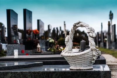 4 Things You Need to Consider When Choosing a Funeral Home