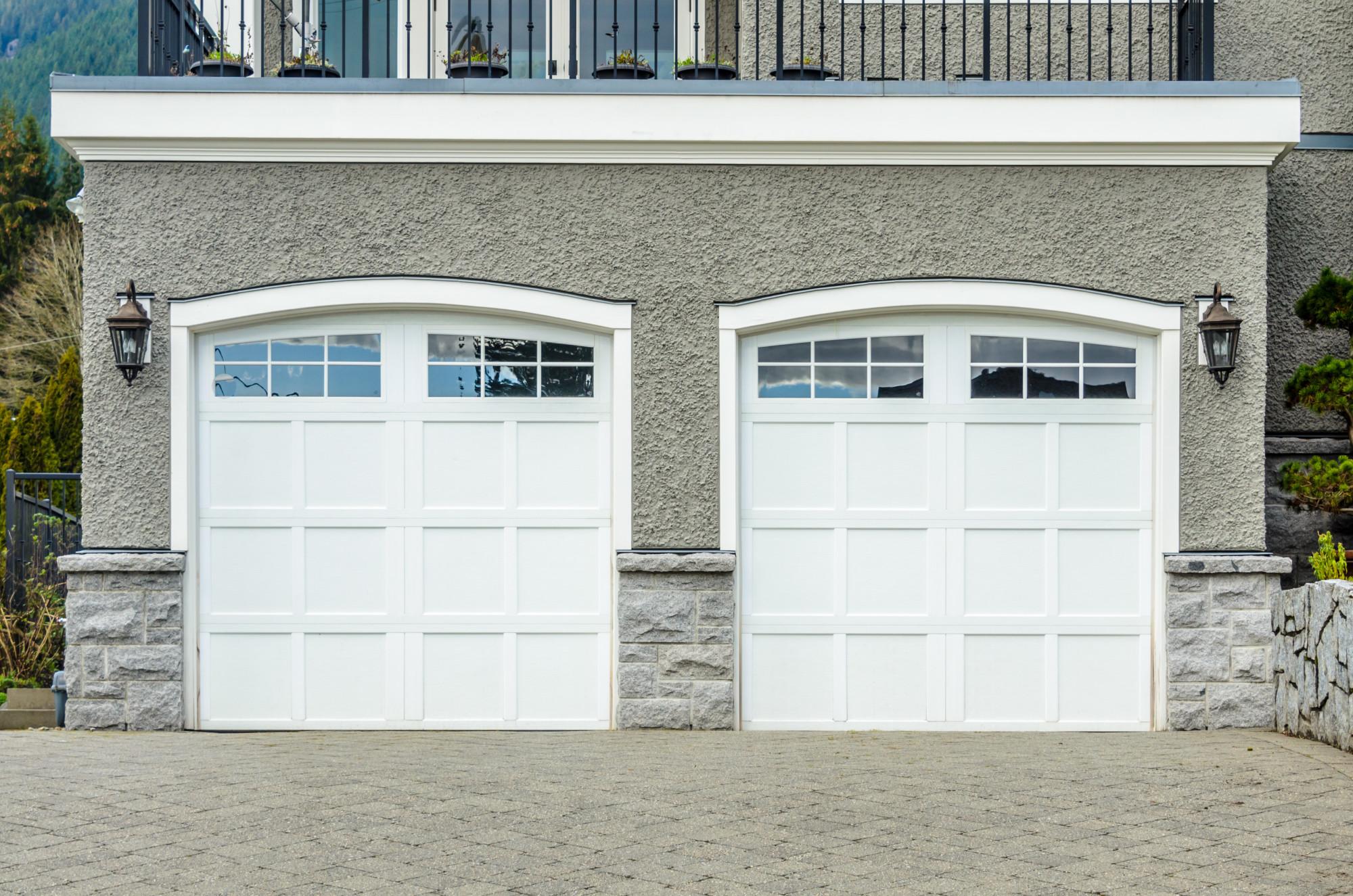 How to Paint a Garage Door: Your Complete DIY Tutorial