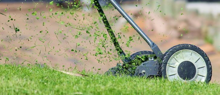 9 Easy Steps To Clean Lawn Mower Engine
