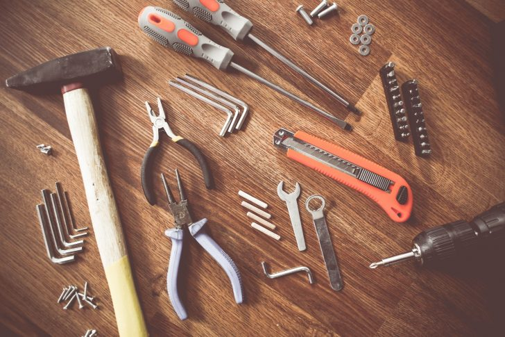 DIY Renovation vs Hiring the Pros: How to Decide Which Option is Best