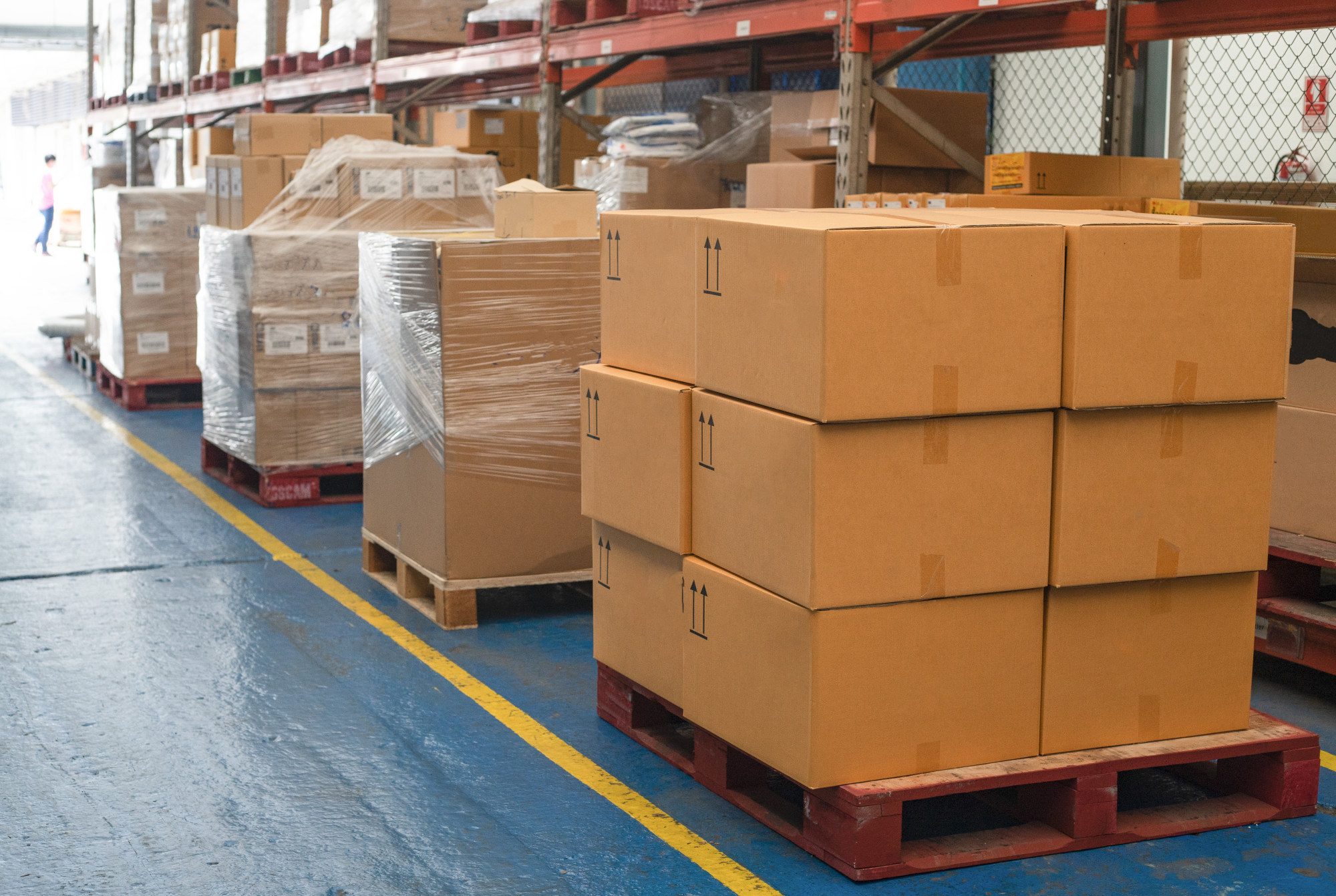 Mailing Heavy Items: The Best Way to Ship Large Boxes