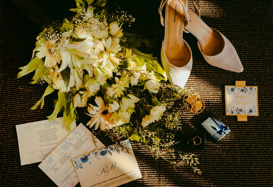 Save the Date (And Costs)! How to Choose Affordable Wedding Invitations You'll Love