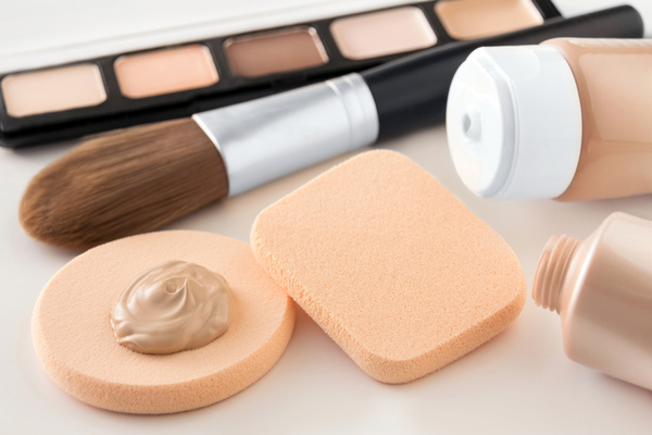 All About Foundations: Choosing The Right One and Applying Like A Pro!