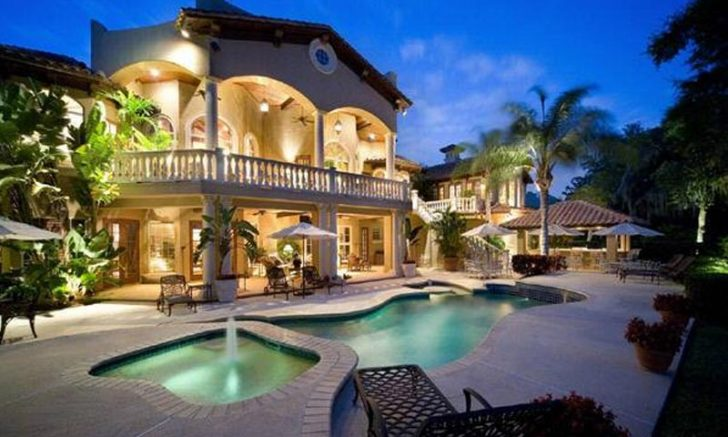 What are the Factors that Determine the Purchase of Luxury Homes?