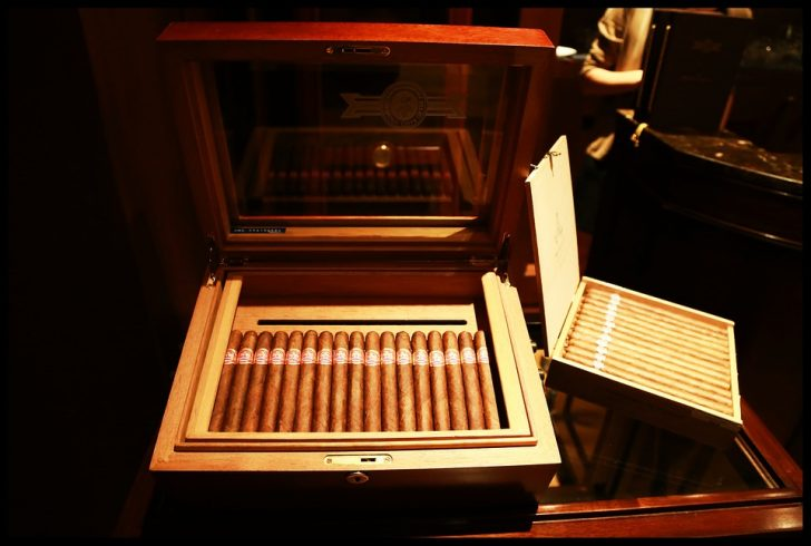 How to DIY Humidor for Cigars