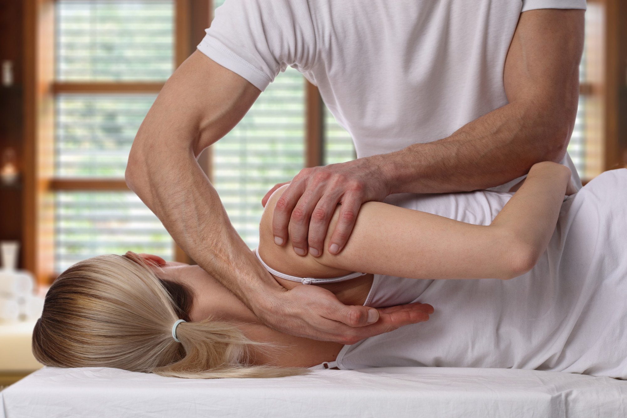 Should I See a Chiropractor? The 11 Big Reasons Why You Need to Book an Appointment