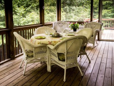 Why a Deck Could Help You Sell Your Home Quickly With Minimal Effort