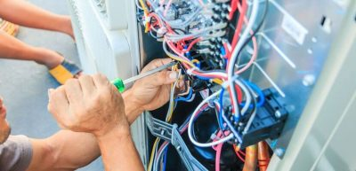 A Checklist to Follow before You Hire a Legal Electrician Servic