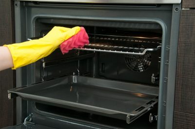 5 Signs that You Need to Clean your Oven