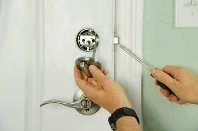 5 Signs It's Time to Call an Emergency Locksmith Service