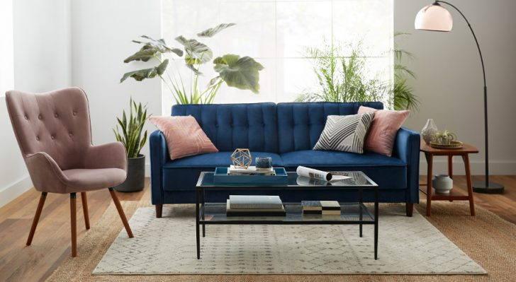10 Helpful Tips When Choosing the Right Living Room Furniture