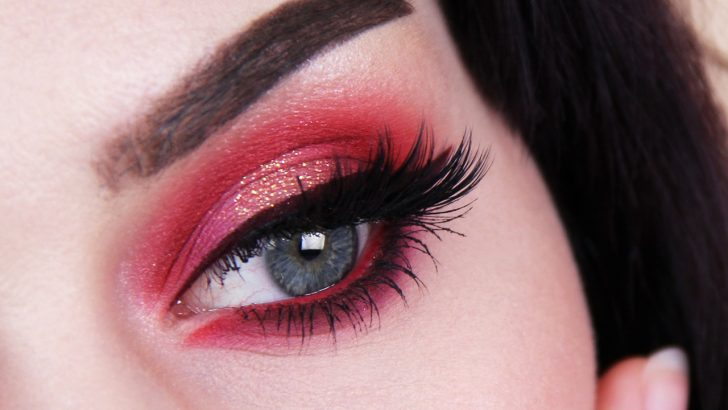 How to Pull Off the Perfect Red Eyeshadow Look?