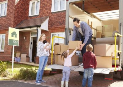 Pack These 10 Things When You are Moving to a New House
