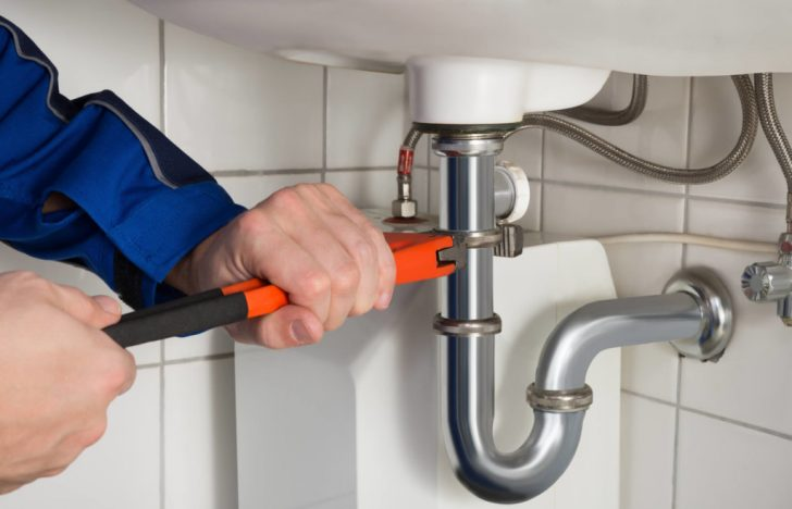 5 Plumbing Jobs Plumbers Say Never Attempt on Your Own