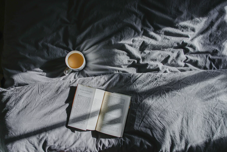 drink coffee in bed