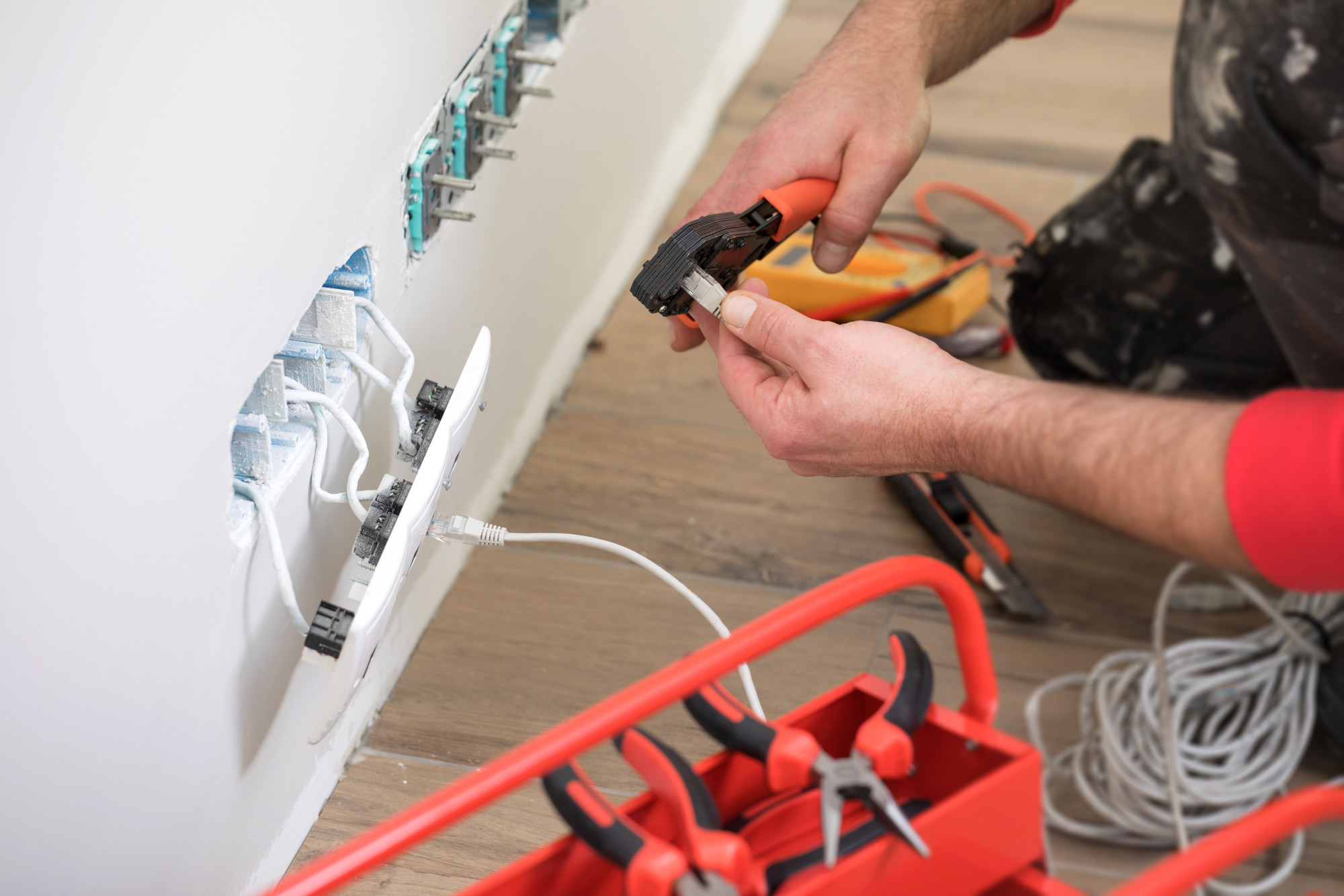 How Much Does an Electrician Cost: The Only Guide You Will Need
