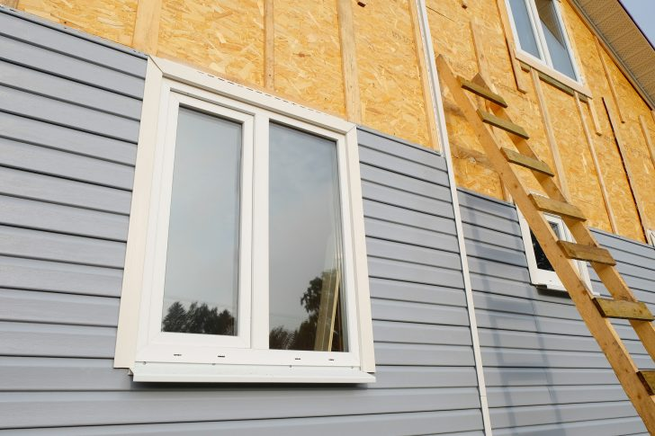 When is it Time to Consider Replacing Siding on Your House?