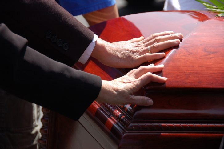 Steps to Simplify Things When You Are Your Own Funeral Planner