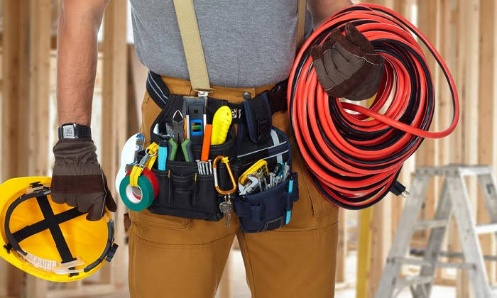 11 Best Handy Tools Used By Technicians For Electrical Work