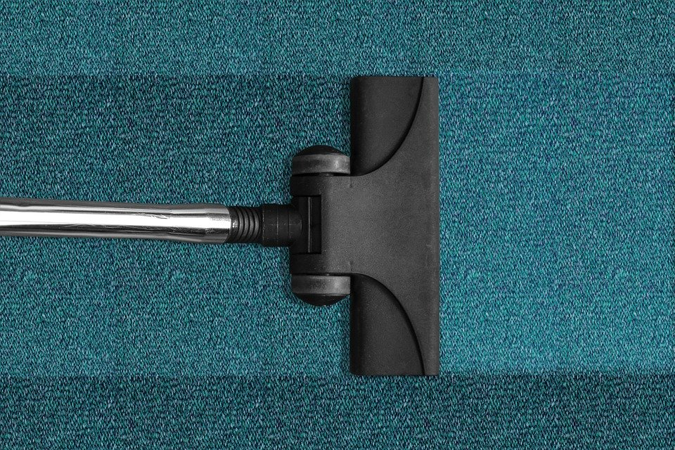 5 Awesome Carpet Stain Removal Hacks