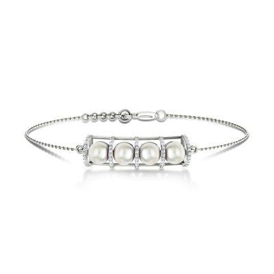 Quatre Pretty Pearl Diamond Bracelet