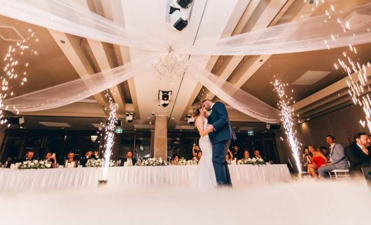 Your Complete Guide to Getting Married In Vegas