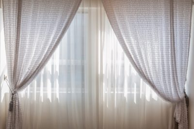 hang-soundproof-curtains