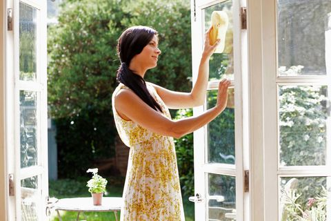6 Common Window Cleaning Mistakes That You Should Avoid