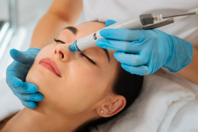 5 Skin Treatments To Get Only From A Certified Cosmetologist